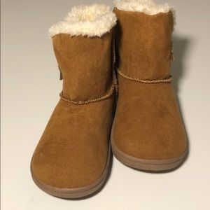 Baby Girl Size 7 Faux Fur Lined Boots